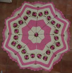 Crochet Kitchen Rug: Sets of Rugs and Walkthroughs Afghan Crochet Patterns, Crochet Squares, Crochet Shawl, Crochet Doilies, Crochet Rugs, Crochet Kitchen, Crochet Home, Love Crochet, Crochet Baby