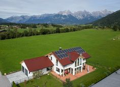 EderMaishofen - Salzburger Photovoltaik Solar Profi in Bruck - Zell am See Pinzgau Solar, Mountains, Mansions, House Styles, Nature, Pictures, Travel, Photovoltaic Systems, Photos