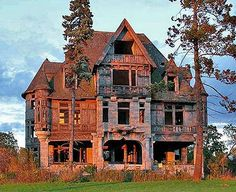 think of how beautiful this house once was! Abandoned old places fascinate me!