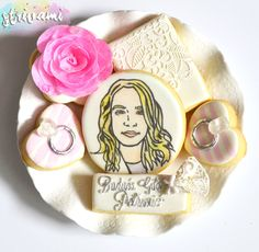 pearl and lace cookies, bachelorette night cookies, bachelorette cookies