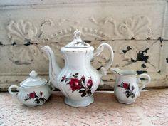 Vintage Teapot Set Sugar and Creamer Pink Roses by Holliezhobbiez, $30.00