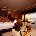 fabulous maldives romantic honeymoon bedroom design idea with nice ceiling lighting and l-shaped sofa also beautiful seascape Honeymoon Wish, Maldives Honeymoon, Honeymoon Suite, Romantic Honeymoon, Honeymoon Ideas, Maldives Hotels, Honeymoon Registry, Water Villa, Bedroom Green