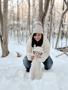 Winter Baby Pictures, Winter Family Photos, Baby Christmas Photos, Baby Girl Pictures, Cute Baby Pictures, Winter Pictures, Newborn Pictures, Newborn Pics, Winter Newborn