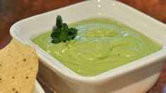 Aprende a preparar una rica salsa cremosa de jalapeño