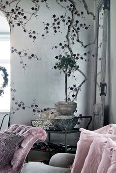 Få mere inspiration til juleudsmykningen i din bolig på madogbolig. Decor, Noel Decoration, Wall Decor, Practical Magic House, Wall Trends, Decor Favorites, Wall Graphics, Wall Painting, Creative Living