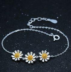 925 sterling silver three tiny daisy bracelet,fresh cute daisy bracelet,a perfect gift