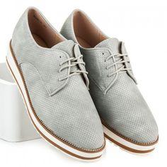 Dámské polobotky Dalena šedé – šedá Dámské polobotky jsou známkou dobrého vkusu. Svršek s tenkou šněrovačkou je vyroben s ažurovým vzorem. Podrážka bot se v zadní části mírně zvyšuje, aby vám zpříjemnila došlap. Noha bude …