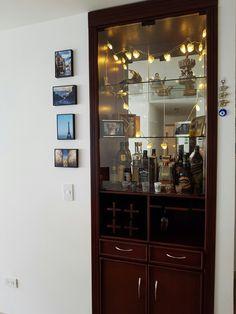 Bar. Madera. Repisas. Vidrio. A medida. Decoración. Vinera. Sala. Muebles.