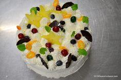 tort diplomat savori urbane cu karambole si cirese glasate (2) Yellow Fruit, Pastry And Bakery, Food And Drink, Birthday Cake, Cake Ideas, Cakes, Mascarpone, Cake Makers, Birthday Cakes