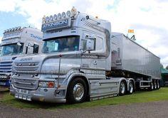Mack Trucks, Semi Trucks, Monster Trucks, Scania V8, Road Transport, Cool Trucks, In A Heartbeat, Volvo, Transportation