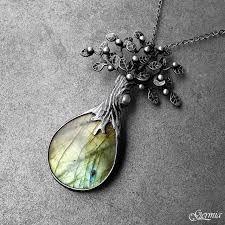 Výsledek obrázku pro zrcátko s vílou Jewels, Jewelry, Gem, Jewlery, Gems, Jewel, Jewelery, Jewerly, Gemstones