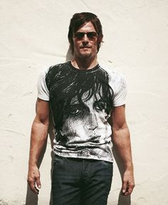 Think i'm experiencing pinsomnormia..i know i pinned this already but what the heck- because reedus