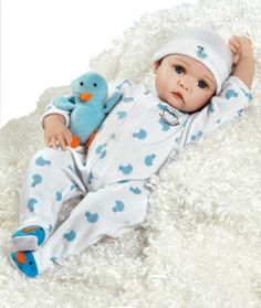 Amazon.com: Realistic Baby Doll, Just Hatched, 18-inch GentleTouch Vinyl, Weighted Body: Toys & Games