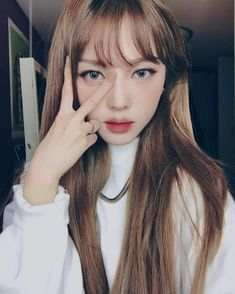 park hye min:Hello im Sandra and Im a Hybrid I'm very quiet Of course I have to try and stay hidden since I am a Hybrid my best element is water