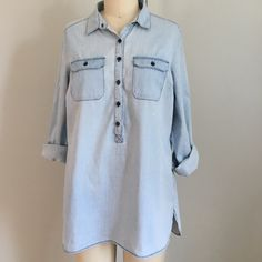 Chambray Button Down This Old Navy chambray button down is the essential casual piece for any wardrobe! Super soft material- 100% cotton Old Navy Tops Button Down Shirts
