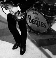 CLÁSICOS DEL ROCK Y BLUES de los años 1950s y 1960s. Todos los martes a la mañana. Visita www.radiodelospueblos.com  y escúchanos por internet !!! The Beatles.