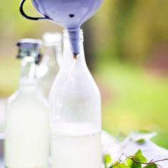 Koivunlehtisima – katso ohje! | Meillä kotona Spray Bottle, Waffles, Pancakes, Glass Of Milk, Cleaning Supplies, Drinks, Food, Drinking, Beverages