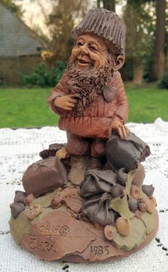 Tom Clark Gnome - Cairn Line - 1985 Chip The Chocolate Elf - Collectible Elf Face, Tom Clark, Gnome House, Collectible Figurines, Natural World, Gnomes, Elves, Cover Art, Fairies