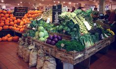 Darts Farm is a farm shop in Topsham, near Exeter, Devon. Fruit And Veg Shop, Produce Displays, Fruit Displays, Supermarket Design, Food Retail, Farm Shop, Shop Interiors, Store Design, Vegetables