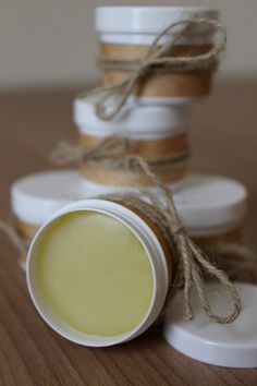 Rezept für einen einfachen DIY-Lippenbalsam gegen Fieberbläschen, spröde Lippen und schlechte Laune auf blattgruen.me