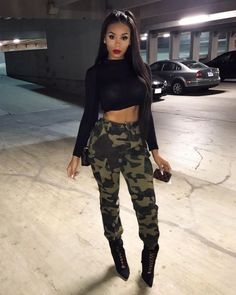 How To Style 25 Of The Most Fabulous Weekend Winter Looks Camo Outfits, Sporty Outfits, Swag Outfits, Trendy Outfits, Dress Outfits, Fashion Outfits, Concert Outfit Winter, Weekend Outfit, Army Pants Outfit