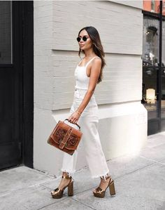 for more Spring Summer Outfit Inspiration Trendy Outfits, Cool Outfits, Summer Outfits, Fashion Outfits, Fashion Trends, Jeans Fashion, Fashion Ideas, Fashion Tips, Outfits Inspiration