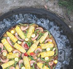 {paella} use veggies from the garden such as the green beans, peppers, and fresh tomatoes