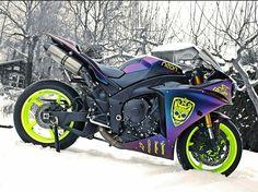 This Yamaha is fucking bad ass 🤤😍 Yamaha R1, Motos Honda, Yamaha Motorcycles, Cars And Motorcycles, Custom Motorcycles, Moto Bike, Motorcycle Bike, Super Bikes, Purple Motorcycle