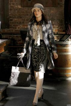 Blair Waldorf Fashion: The Empire Strikes Jack (Oscar de la Renta blouse, Elie Tahari skirt, Proenza Schouler coat, and Chanel bag) Blair Waldorf Outfits, Blair Waldorf Gossip Girl, Blair Waldorf Style, Blair Fashion, Fashion Tv, Love Fashion, Gossip Girl Outfits, Gossip Girl Fashion, Gossip Girls