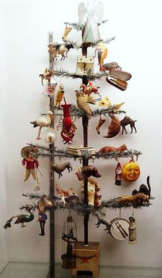 Vintage - Wonderful Antique German Feather Tree dressed in rare and intricate German Dresden Ornaments - Golden Glow of Christmas Past Antique Christmas Ornaments, Christmas Past, Victorian Christmas, Primitive Christmas, Rustic Christmas, All Things Christmas, Winter Christmas, Christmas Crafts, Christmas Decorations