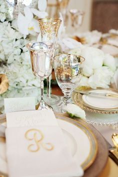 #Inspiration #idea #Beautiful #Shesaidyes #Mariage #Happiness #weddingplanning #Love #Ceremony #Table #Decor #Nature #Elegance #Floral #Gold #White