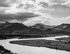 Reflejos sobre el Río Grande. #photography #mendoza #malargue #blancoynegro #b&w #mdzphoto #photo #fineart #javiergonzalez gonz.com.ar