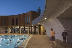 Perth's newest recreation facility is one of Australia's first 6-star Greenstar buildings. Situated directly on the coast, the project presented a strong need for luminaires that can withhold harsh coastal conditions. Premium protective paint finishes,fully sealed luminaries, quality performing LEDs and extended warranties provided a clear and confident solution to the client to trust in a durable installation.