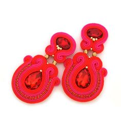 Earrings in the technique of soutache embroidery made with: * satin soutache braids * TOHO seed beads, * magnificent glass crystals, * fire-polished beads, * rhinestone cup chain, * hypoallergenic earring elements. On the back they have felt in matching colour.  Earring measures 3,8cm x 6,7cm / 1,50″ x 2,64″  Colors: red, fuchsia, gold, matte gold.   Other pieces from this collection here: https://www.etsy.com/shop/sabodesign?section_id=11629017    ~*~*~*~*~*~*~*...