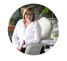 Renae Duff is a local award-winning agent representing Meagan Read Property. Call her today and she will lead you the way with outstanding results! The Duff, Hanging Chair, Real Estate, Hanging Chair Stand, Real Estates