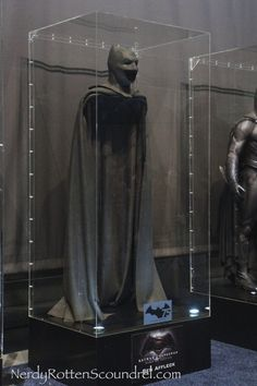 Ben Affleck's BATMAN cowl from BATMAN v SUPERMAN: DAWN OF JUSTICE on display at New York Comic Con as part of the BATMAN 75 Costume Tour.