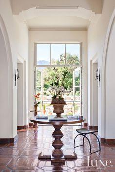 A Santa Barbara California Home S Inviting Entry See More At Www
