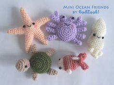 Crochet Ocean Friends no instructions Crochet Fish, Thread Crochet, Crochet For Kids, Crochet Animals, Crochet Ideas, Crochet Projects, Crochet Gifts, Crochet Toys, Ocean Baby Rooms