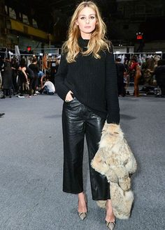 How to style your leather culottes like a fashion pro this season - - Pic Rex Source by georgiatsalkido Mode Outfits, Chic Outfits, Fashion Outfits, Womens Fashion, Woman Outfits, Runway Fashion, Fashion Trends, Fall Winter Outfits, Autumn Winter Fashion
