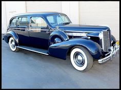1938 Buick Limited Limousine at Mecum Auctions Buick Sedan, Limousine Car, Grill Guard, American Auto, Us Cars, Unique Cars, Car Wheels, Car Show, Luxury Cars
