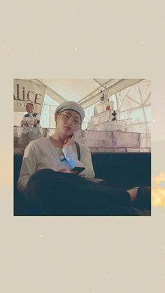 Bts Taehyung, Bts Bangtan Boy, K Wallpaper, Bts Backgrounds, Bts Lockscreen, Daegu, Bts Pictures, Bts Boys, Cute Wallpapers