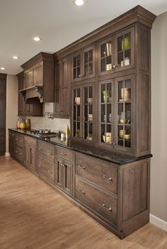 Charmant The Cabinetry In This Kitchen Was Designed With The Amsterdam Door Style In  A Gray Cabinetry Color Called Slate With A Chocolate Glaze By Fieldstone ...