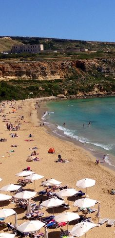 Looks like one of the beaches we went to in Malta, except most aren't this sandy. Most of the land around the island is either cliffs or rocky beaches.