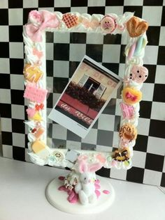 """♥♥♥ """"Yours"""" Delicious special deco photo frame by Hunny Co. Polymer Clay Animals, Cute Polymer Clay, Cute Clay, Polymer Clay Projects, Diy Clay, Perler Beads, Ideas Prácticas, Party Ideas, Decoden Phone Case"""