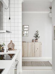 How to clean your kitchen credenza? Scandinavian Interior Design, Scandinavian Kitchen, Swedish Design, Nordic Design, Scandinavian Style, Design Design, Interior Ikea, Kitchen Interior, Interior Decorating