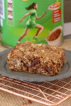 Lunch box recipes don't come any quicker or easier than this yummy OAT & MILO SLICE! Simply melt, mix and bake… too simple! This will become a family favourite in no time! Yummy Treats, Delicious Desserts, Sweet Treats, Yummy Food, Healthy Treats, Healthy Baking, Tasty, Lunch Box Recipes, Lunch Snacks