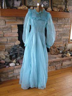 Wedding dress bridesmaid attendants robins egg blue 1930s vintage dress material organdy