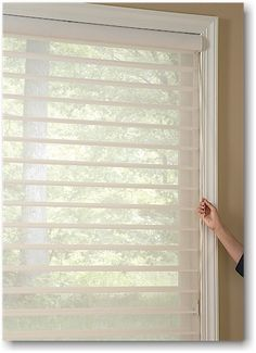 One of the important advantages of Hunter Douglas Silhouette Window Shadings over traditional soft window coverings is its ease of operation. A continuous cord loop, the Hunter Douglas EasyRise lifting system, is standard on all Hunter Douglas Silhouette Window Shadings, which works on the principle of a pulley and rotates a clutch to raise or lower the shading or shade.