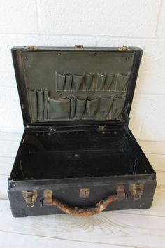 5f096aa1155d5 Vintage 1940s Bell System Linemans Tool Box