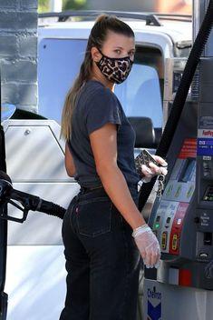 Sofia Richie, Nicole Richie, Lionel Richie, Gas Station, Tommy Hilfiger, Gloves, Singer, Michael Kors, American